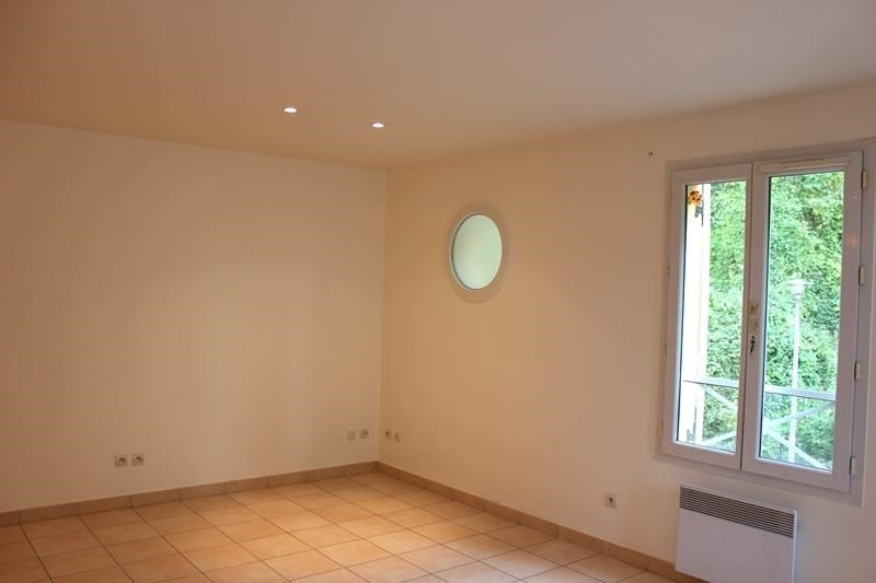 Location appartement Chennevieres sur marne 770€ CC - Photo 2