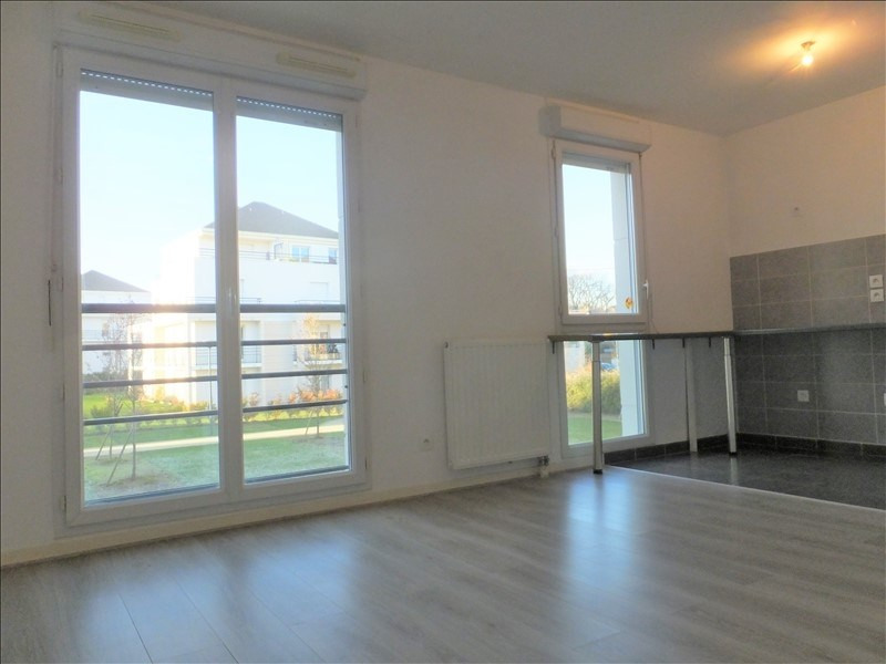 Location appartement Montigny le bretonneux 700€ CC - Photo 2