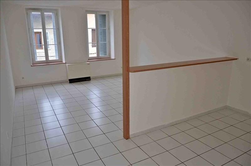 Rental apartment Nantua 385€ CC - Picture 1