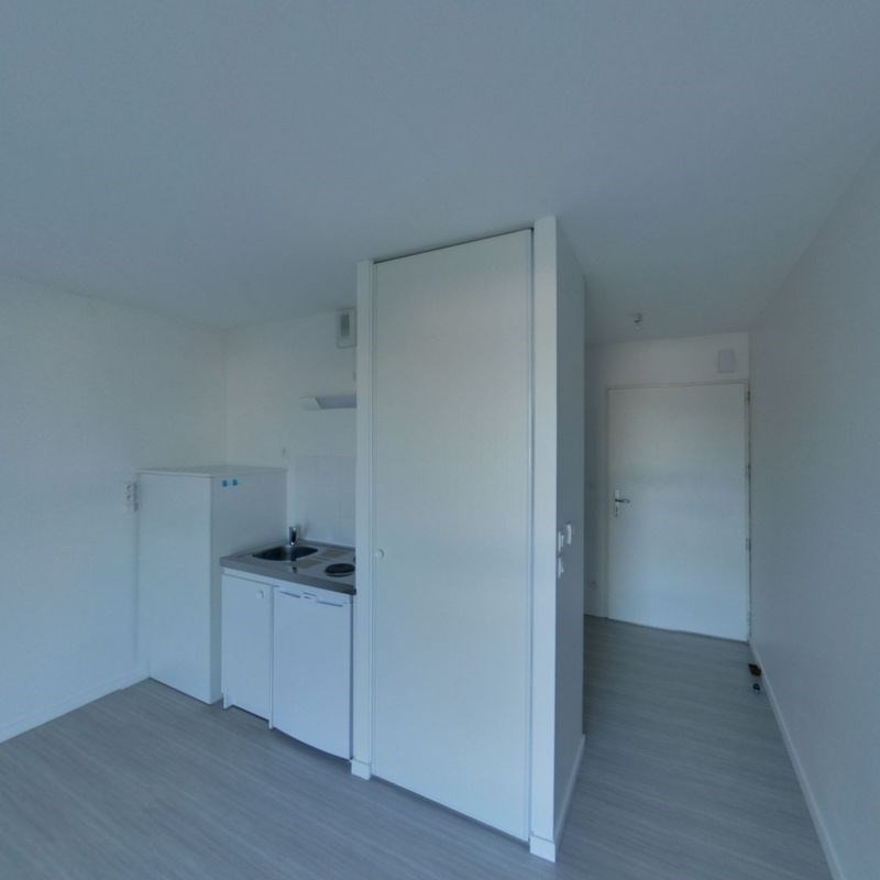 Location appartement Saint-nazaire 330€ CC - Photo 2