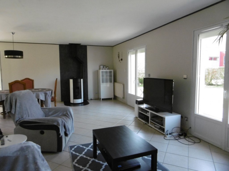 Sale house / villa Montmain 279000€ - Picture 7