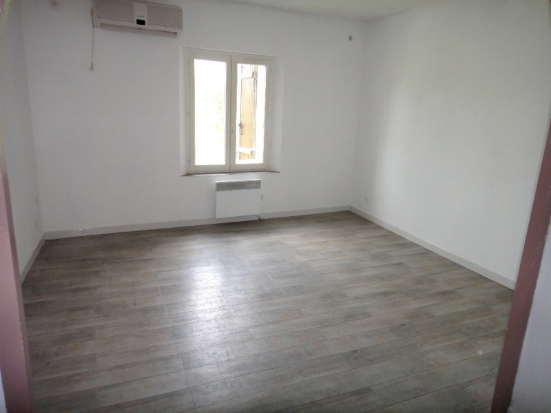 Location appartement Rians 590€ CC - Photo 5