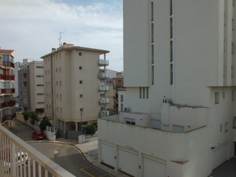 Sale apartment Roses santa-margarita 99 000€ - Picture 2