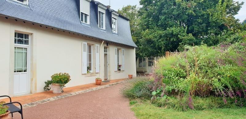 Sale house / villa St jean de la motte 280000€ - Picture 1