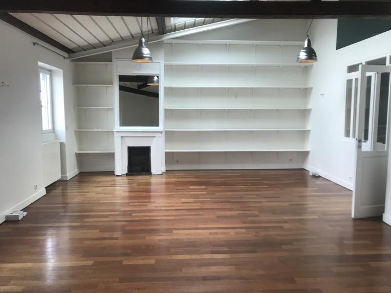 Rental apartment Courbevoie 2610€ CC - Picture 2