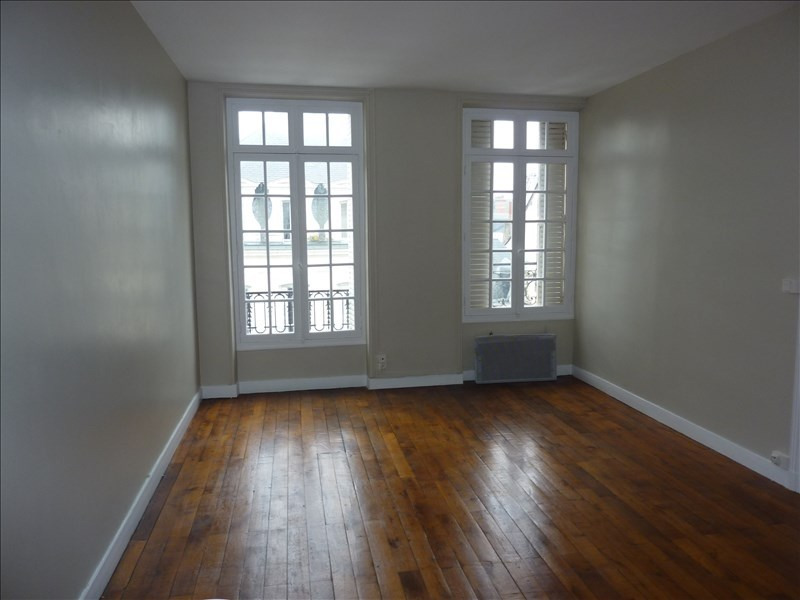 Location appartement Vendome 390€ CC - Photo 1