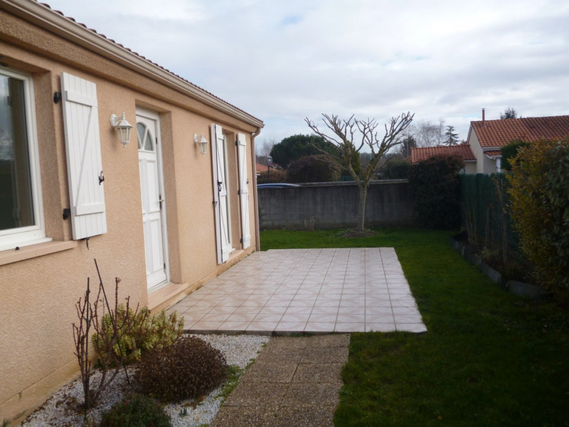 Rental house / villa Aureilhan 795€ CC - Picture 1