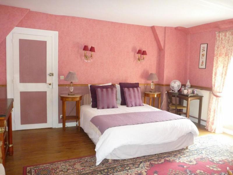 Deluxe sale house / villa La chapelle-yvon 525000€ - Picture 2
