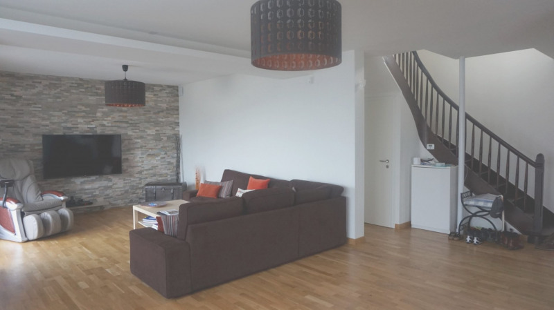 Deluxe sale apartment Bossey 649000€ - Picture 2