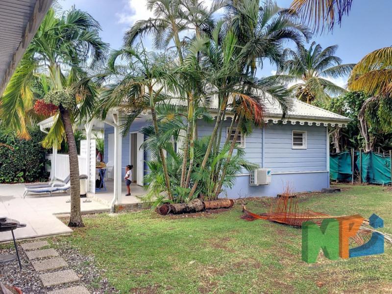Sale house / villa Ste anne 420000€ - Picture 9