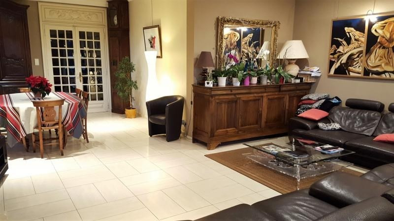 Sale house / villa L isle jourdain 499000€ - Picture 8