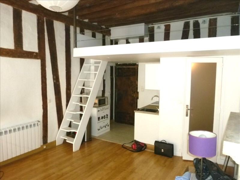 Locação apartamento Paris 5ème 980€ CC - Fotografia 1