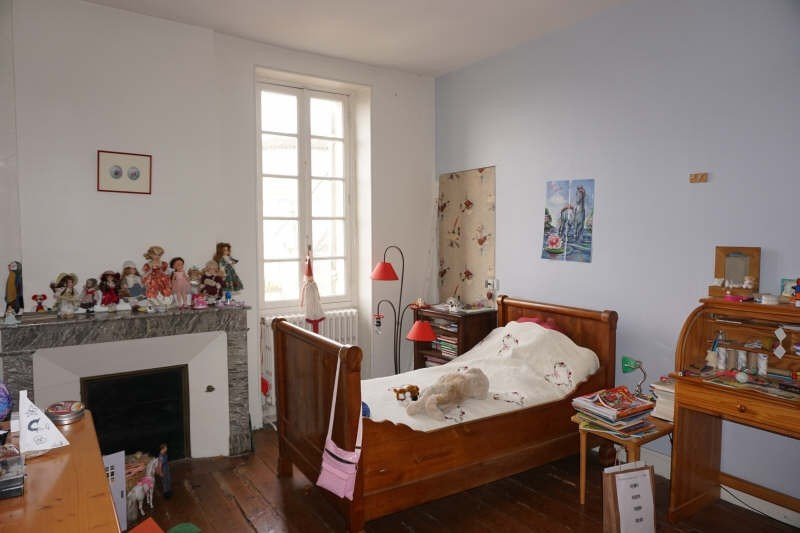 Sale house / villa Aubie et espessas 230000€ - Picture 8