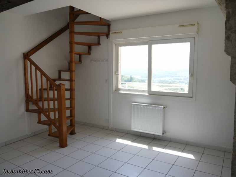 Rental apartment Montpezat 315€ CC - Picture 2