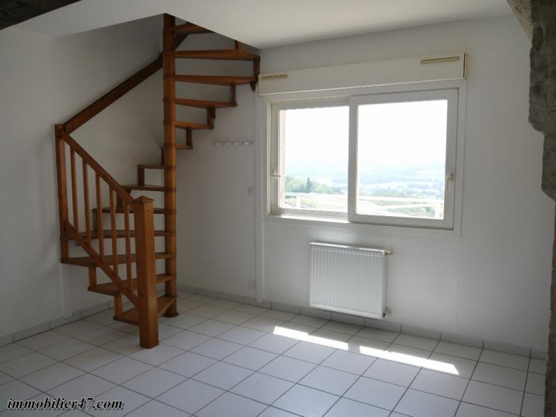 Verhuren  appartement Montpezat 315€ CC - Foto 2