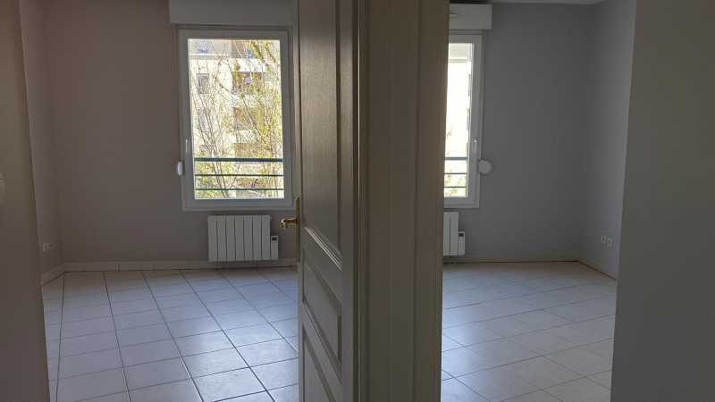 Sale apartment Pierre-bénite 200 000€ - Picture 4