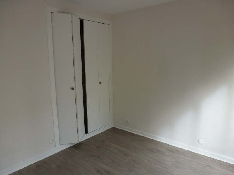 Location appartement Maurepas 855€ CC - Photo 4