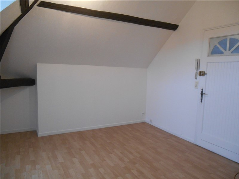 Location appartement Troyes 320€ CC - Photo 1