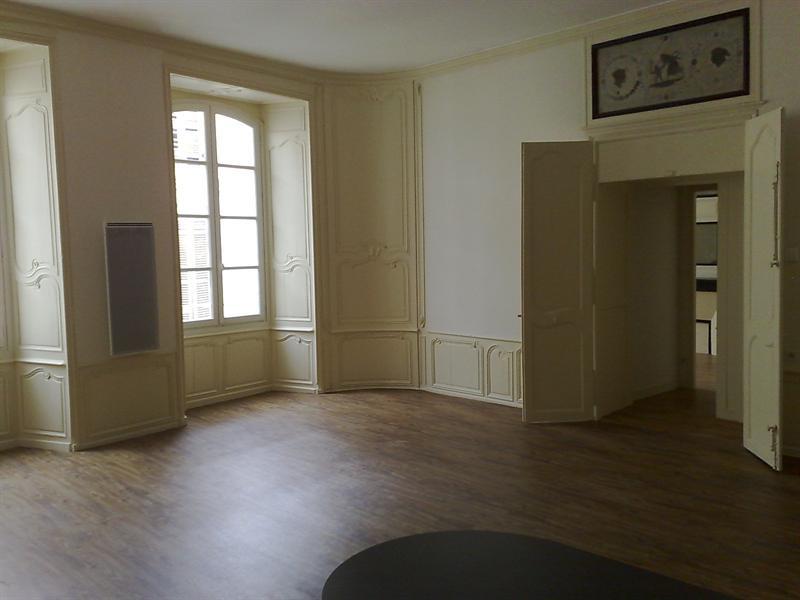 Rental apartment Saintes 579€ CC - Picture 3
