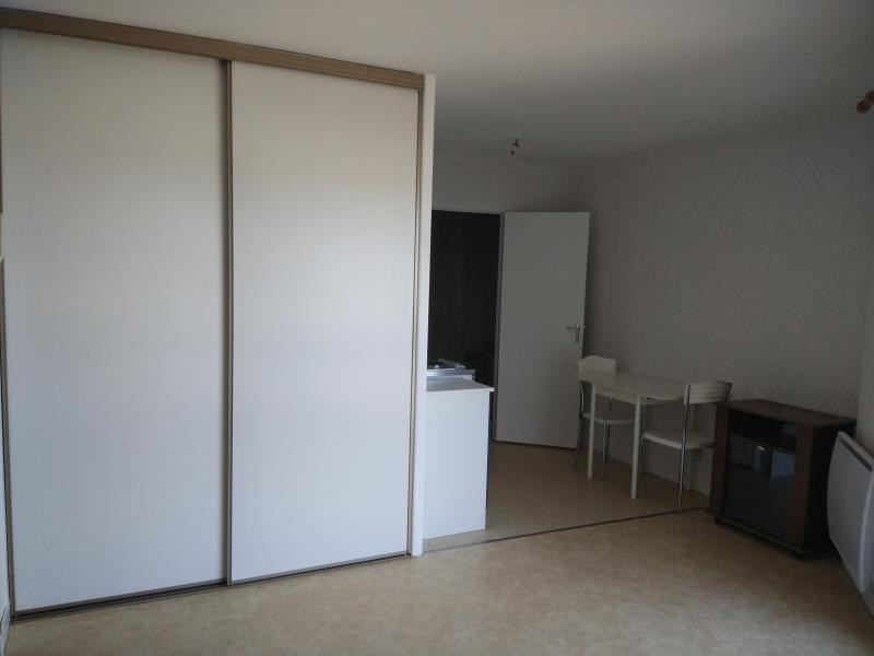 Location appartement Vendôme 290€ CC - Photo 1