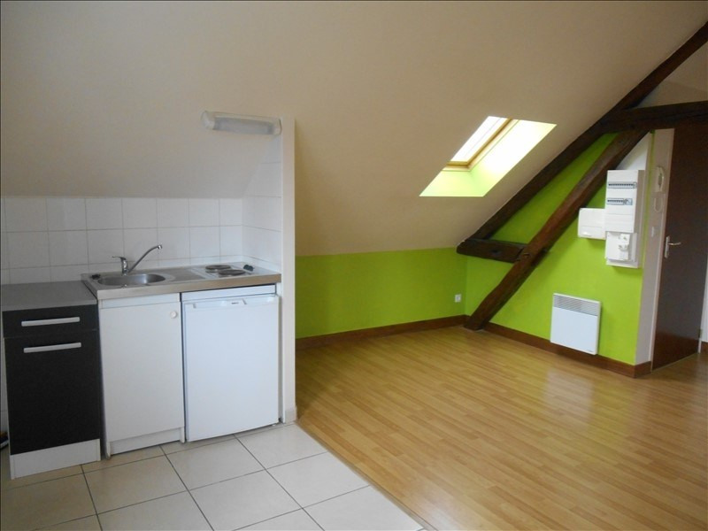 Location appartement Troyes 355€ CC - Photo 2