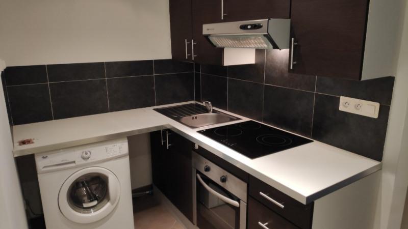 Rental apartment Saint laurent du var 790€ CC - Picture 4