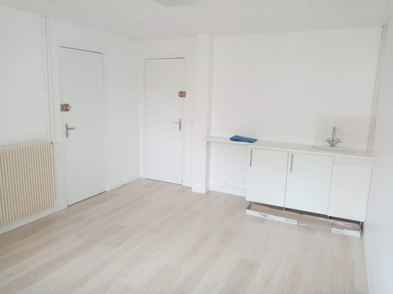 Rental office Cergy 810€ HC - Picture 3