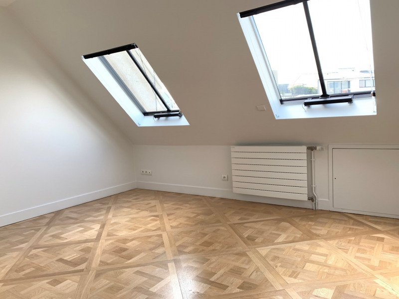 Location appartement Paris 8ème 5 120€ CC - Photo 5