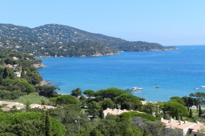 Villa for sale with stunning sea views overlooking the bay o
