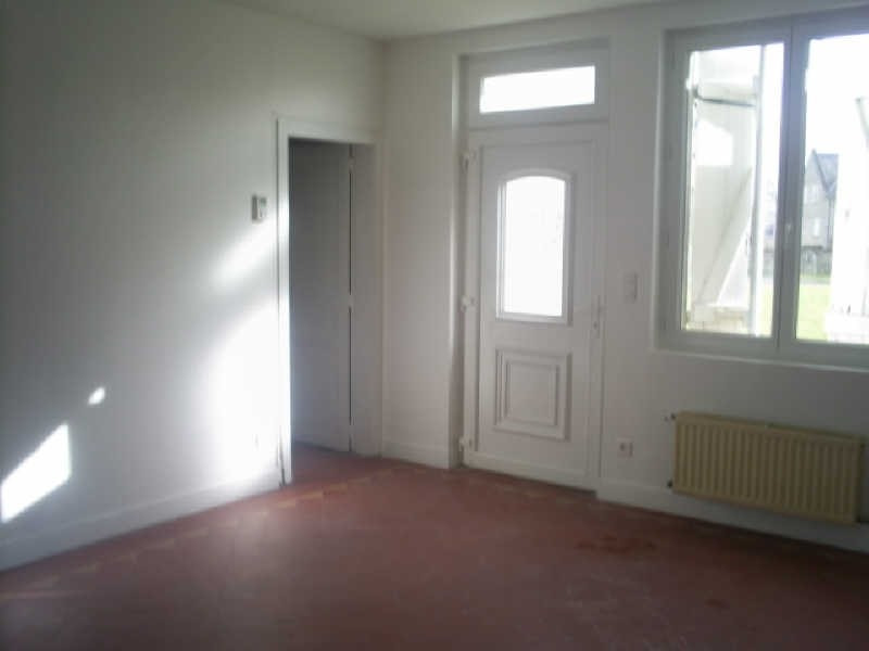 Rental house / villa Longpont 638€ CC - Picture 1
