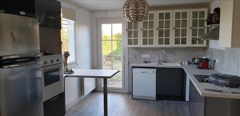 Sale house / villa Montfort l amaury 421000€ - Picture 5
