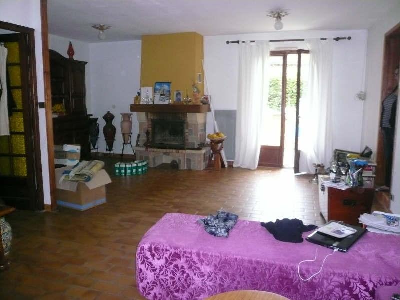 Location maison / villa St andre de cubzac 802€ CC - Photo 2