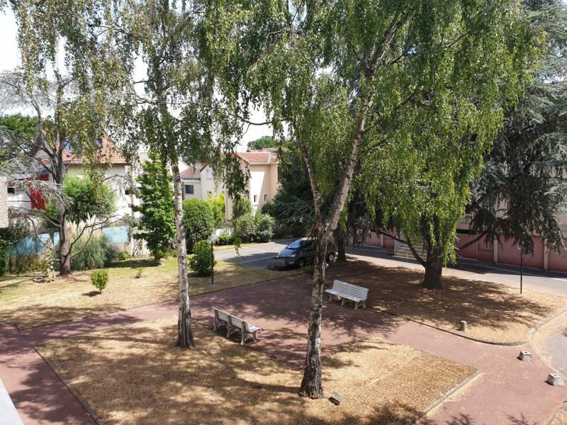 Sale apartment Le plessis robinson 325500€ - Picture 7