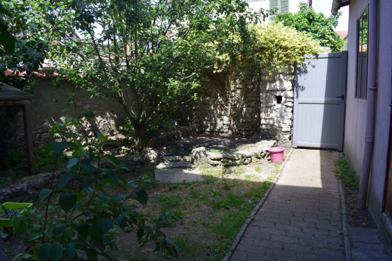 Vente maison / villa Freneuse 210 000€ - Photo 11
