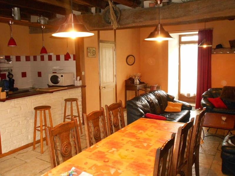Location maison / villa Sansais 572€ CC - Photo 2