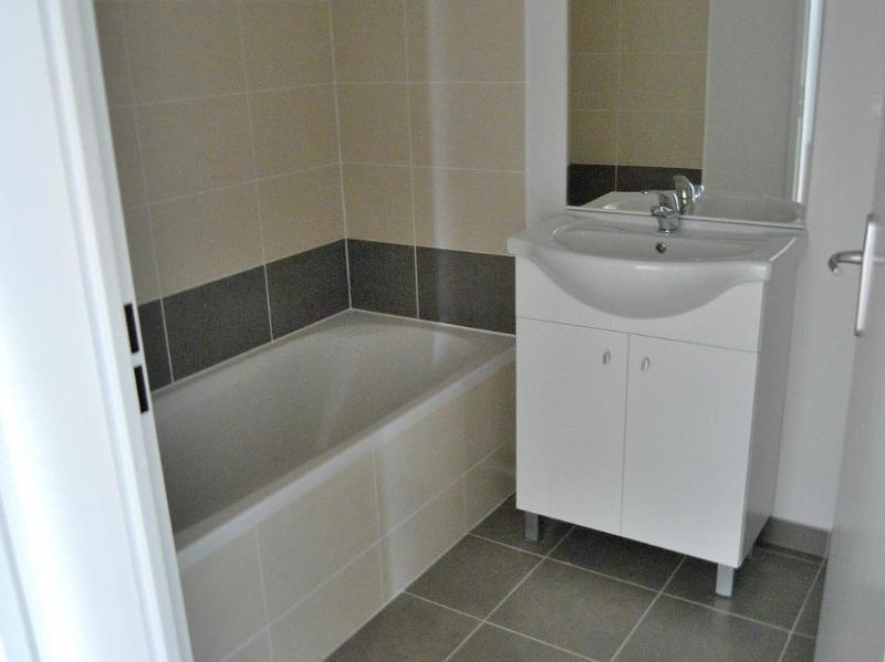 Rental apartment Frouzins 639€ CC - Picture 7