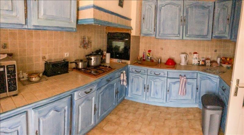 Sale house / villa Saint maximin 333000€ - Picture 4