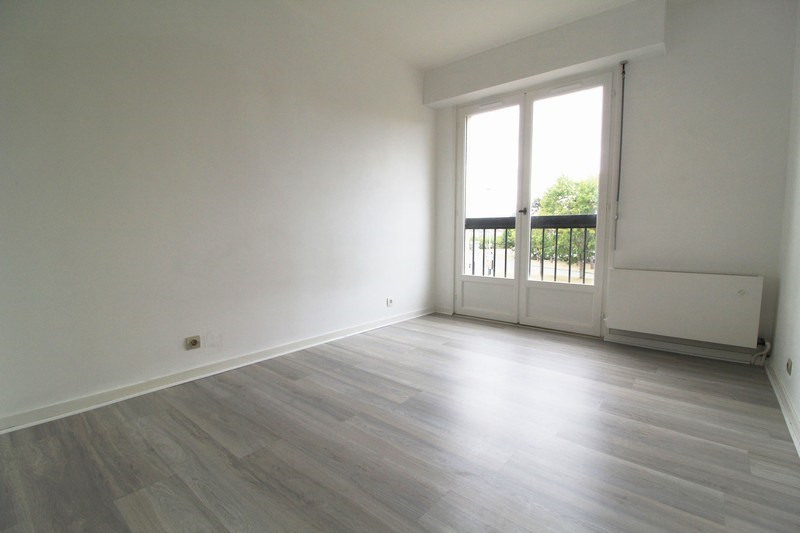 Rental apartment Maurepas 793€ CC - Picture 4