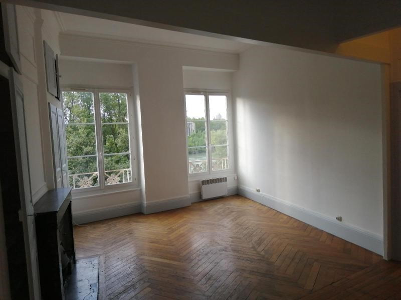 Rental apartment Caluire 785€ CC - Picture 2