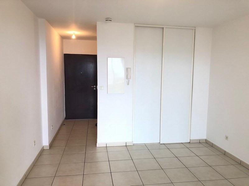 Location appartement Ste clotilde 424€ CC - Photo 4