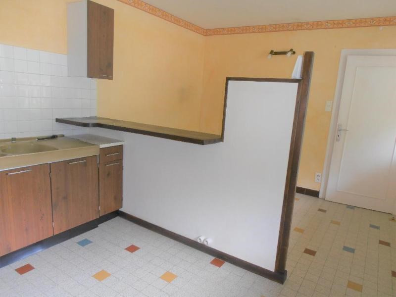 Rental apartment Nantua 380€ CC - Picture 3