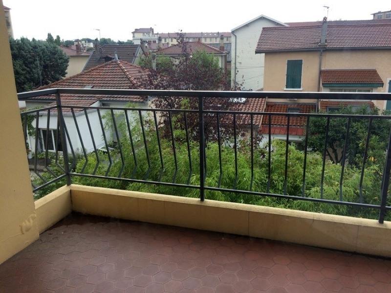 Verhuren  appartement Lyon 3ème 874€ CC - Foto 2