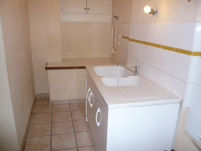Rental apartment Cremieu 550€ CC - Picture 3