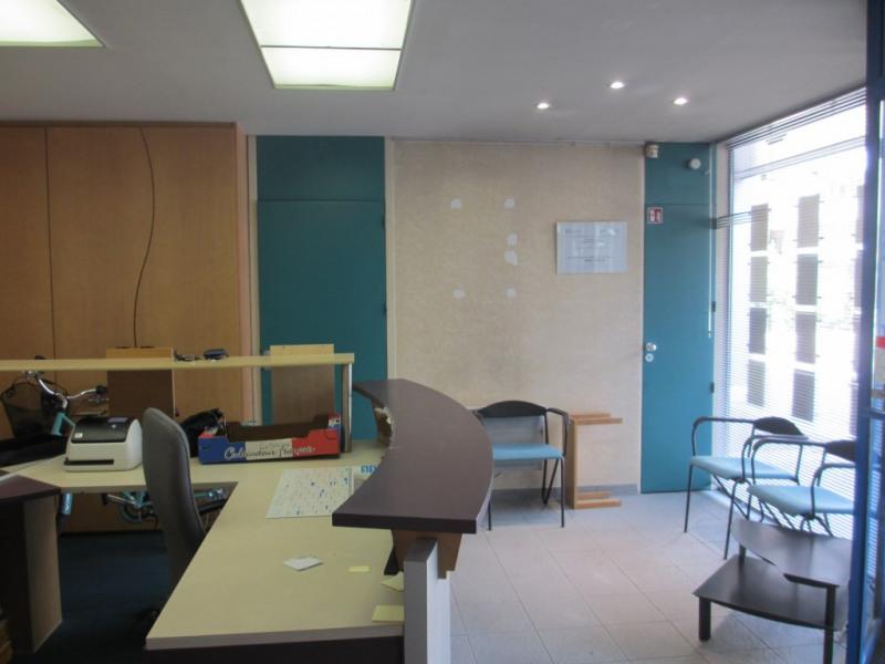 Sale empty room/storage Cran gevrier 185000€ - Picture 2