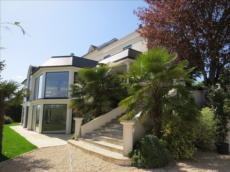 Deluxe sale house / villa Le mesnil le roi 1890000€ - Picture 2