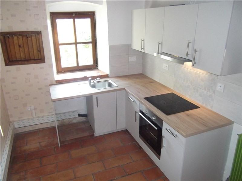 Location maison / villa Yenne 800€ CC - Photo 3