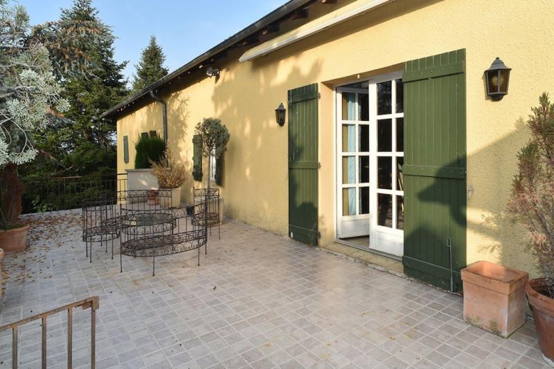 Sale house / villa Salles-arbuissonnas-en-beaujolais 695000€ - Picture 2
