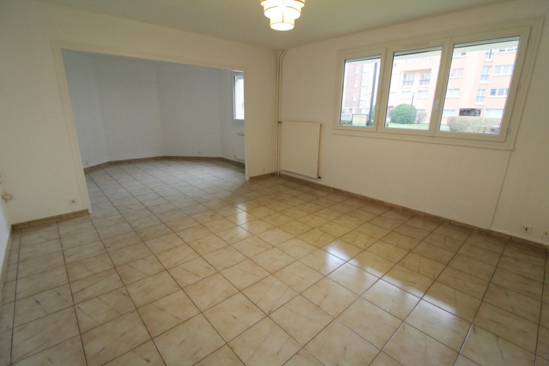 Location appartement Maurepas 1 280€ CC - Photo 2