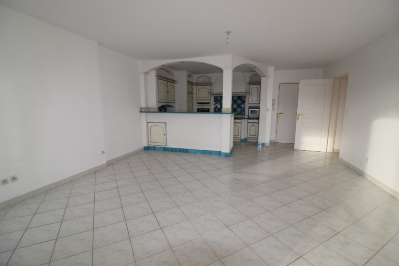 Vente appartement Hyeres 299 900€ - Photo 3
