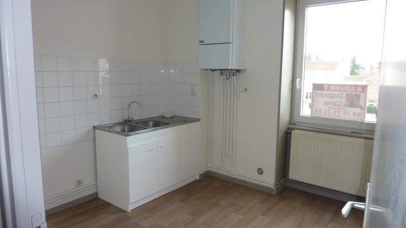 Location appartement Le coteau 515€ CC - Photo 5